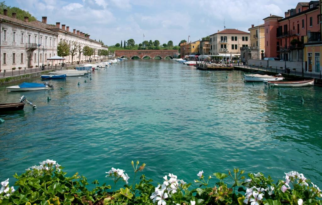 fiume-mincio-italia