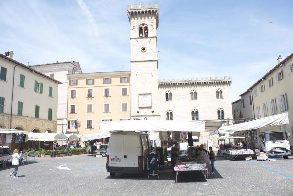 arcevia-centro-marche-castelli-palzzodiarcevia
