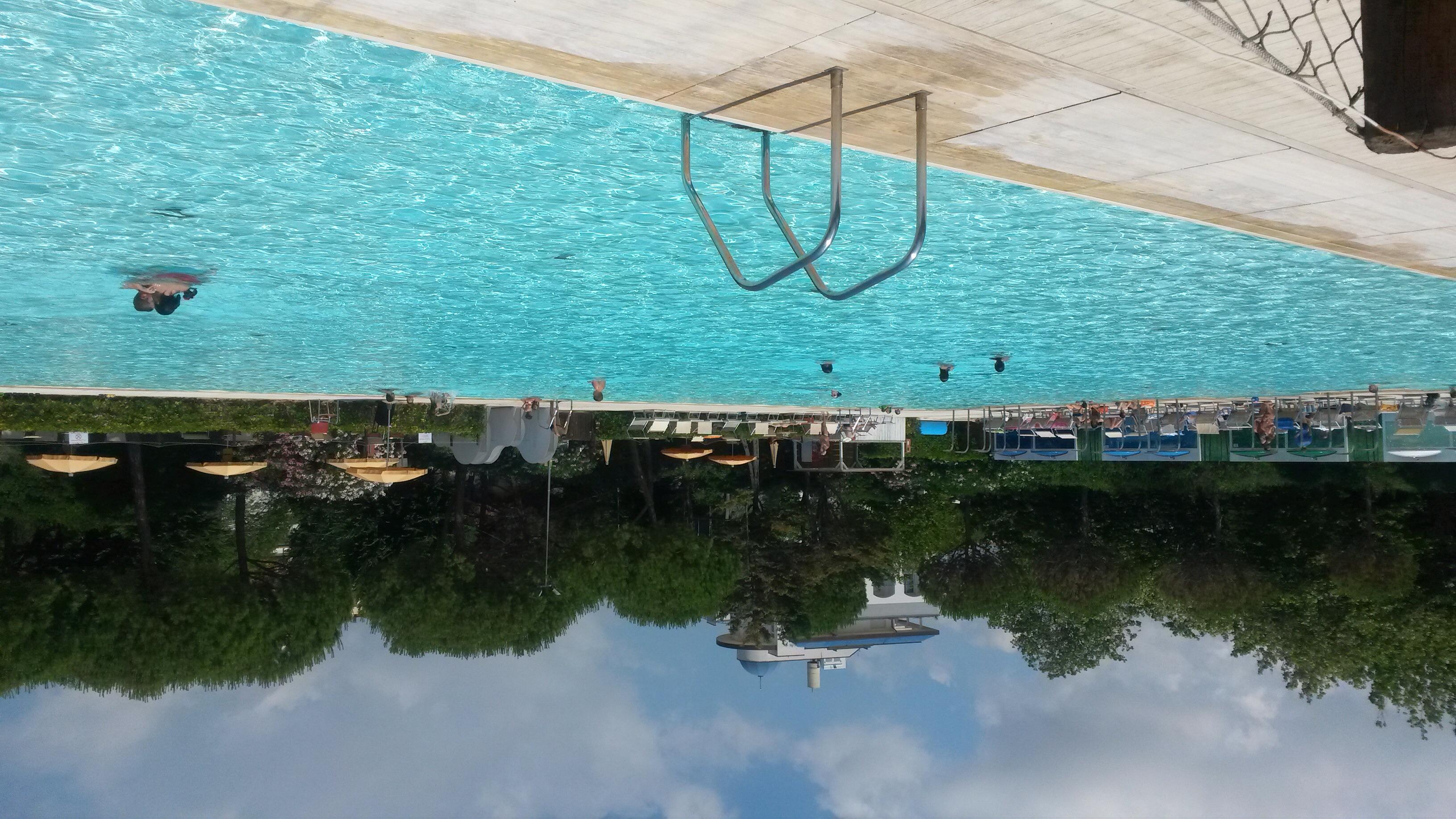 L amore per la piscina di riccione terme non si tradisce for Piscina riccione