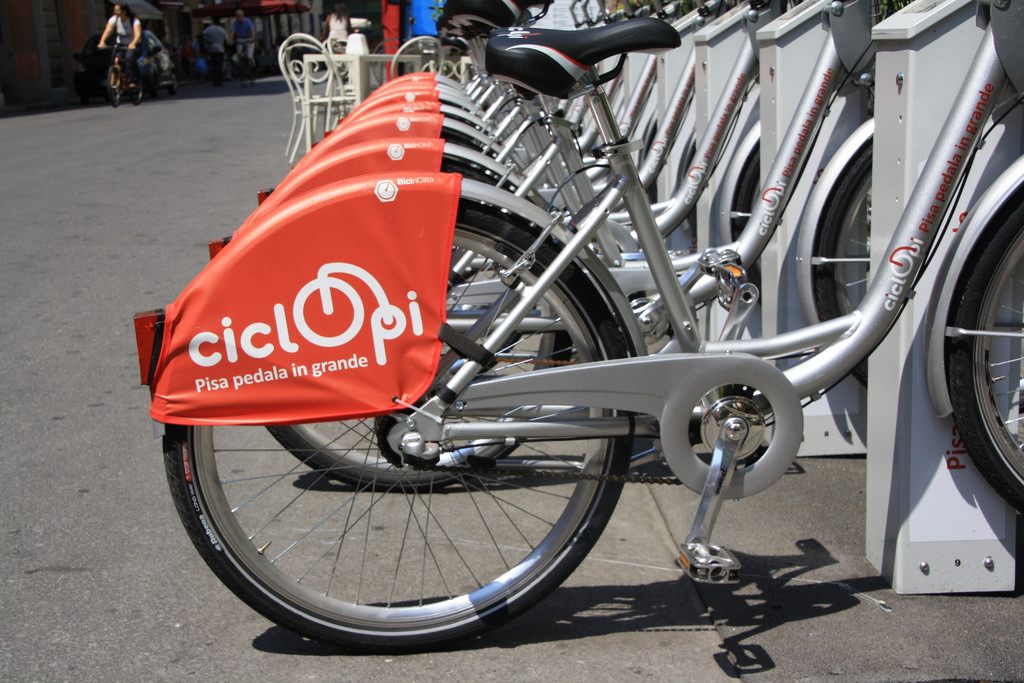 Il bello di visitare Pisa in bicicletta