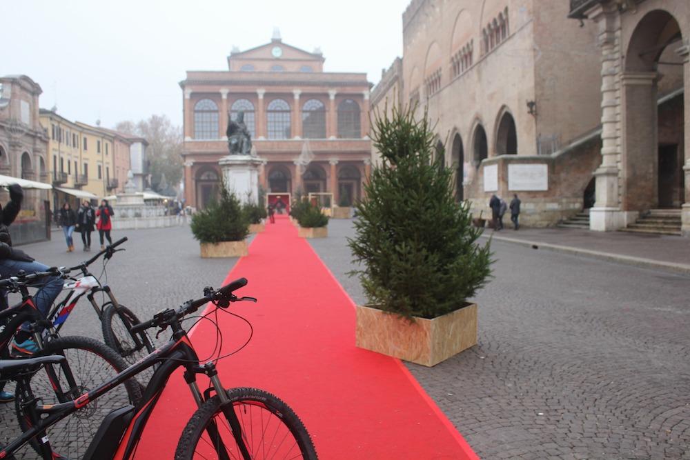 Il bello di pedalare un e-bike in giro per Rimini