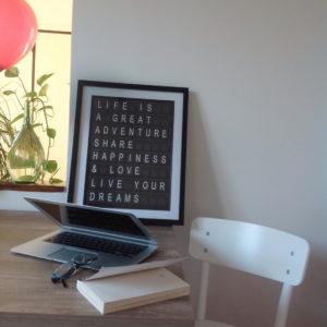 Una scrivania al giorno